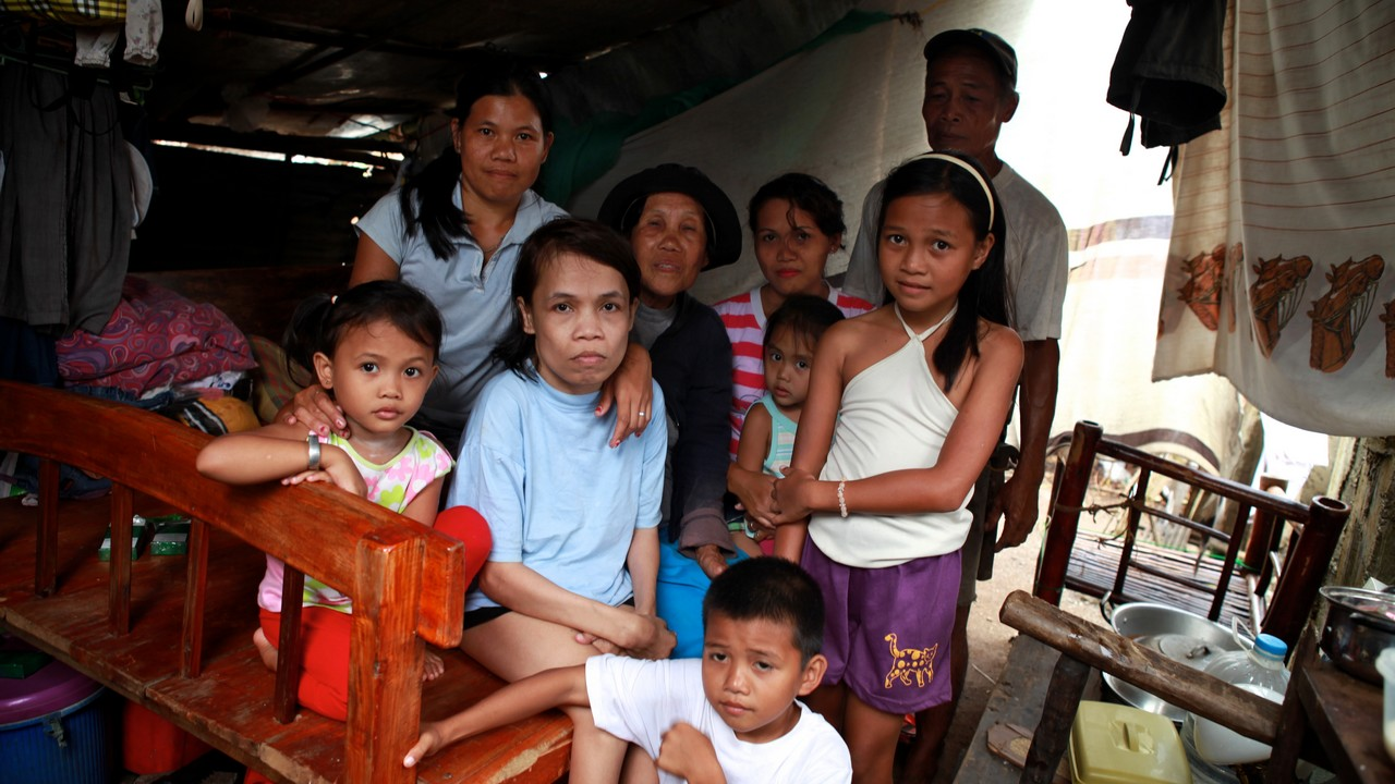 Famille Philippines, rescapée du typhon Haiyan.